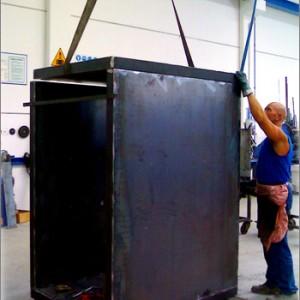 Lavorazione lamiere e realizzazione di prodotti industriali e  strutture come cabine-box Rei 120 completamente trasportabili.